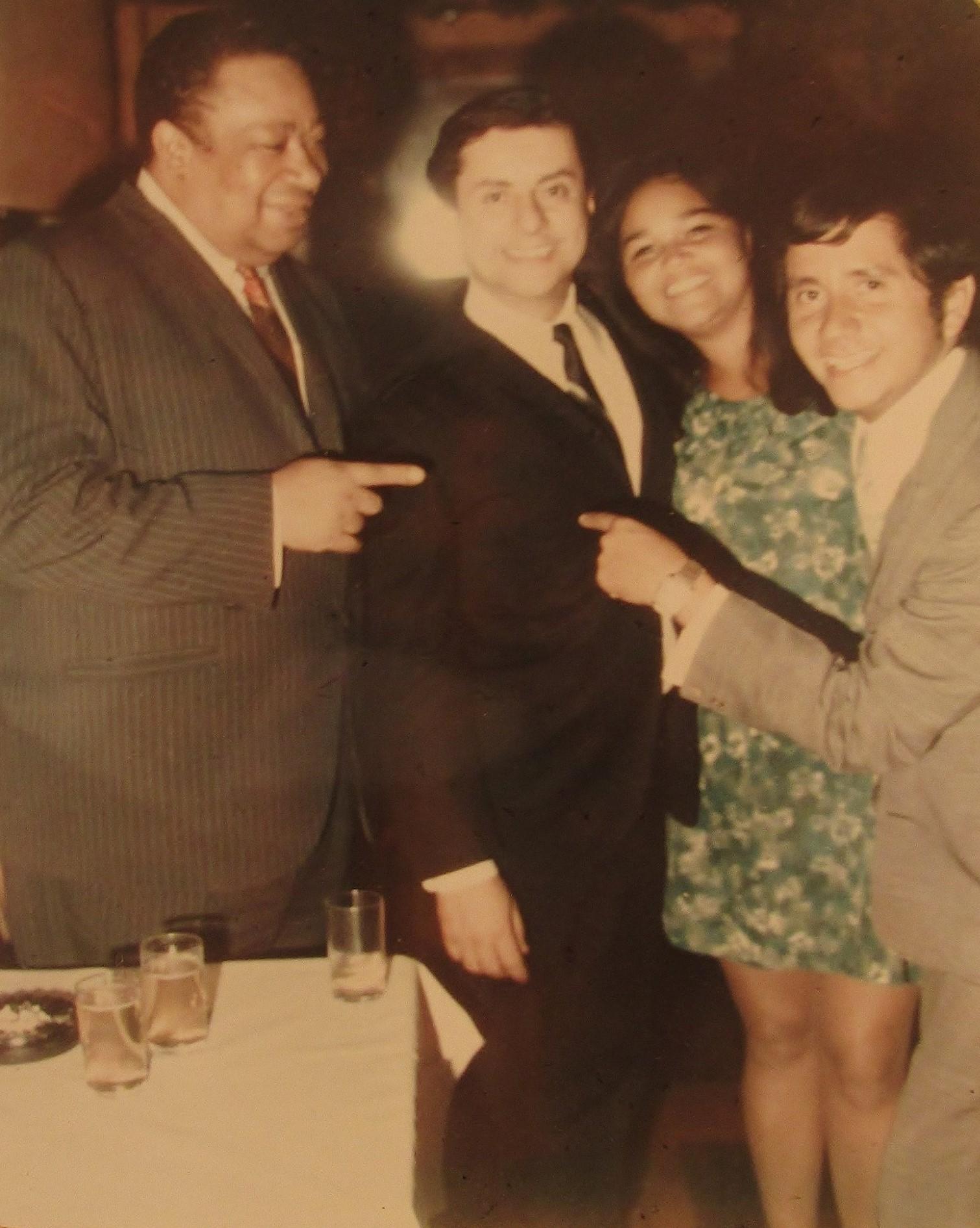 Joe Armando el día que conoció a Tito Puente en el Corso. Nueva York, 1967