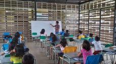 Profesora Edilma educando