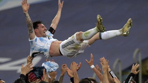 Lionel Messi celebrando con la Selección Argentina