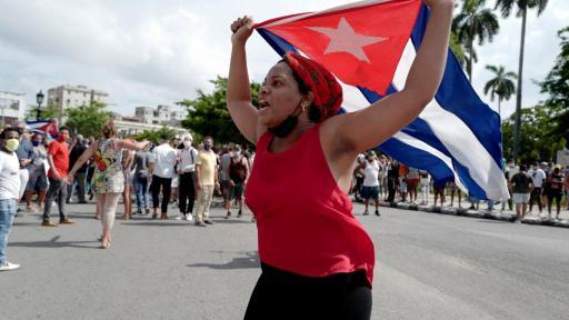 Ciudadanos se manifiestan contra el gobierno cubano