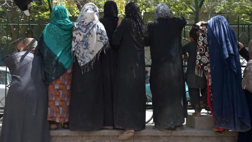 prohibiciones contra la mujer en Afganistán talibanes