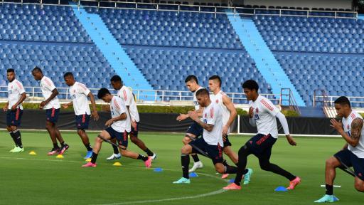 Jugadores de la Selección Colombia entrenando